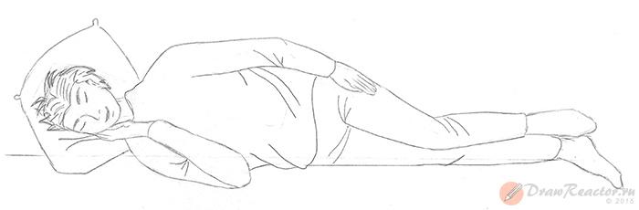 Как нарисовать лежащего человека. Шаг 5.