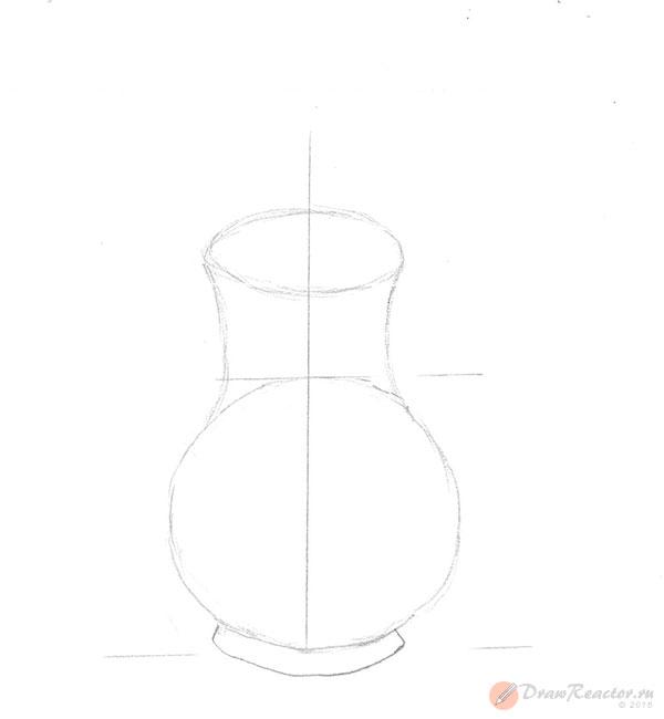 Как нарисовать вазу. Шаг 3.