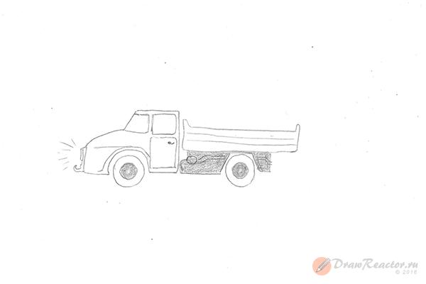 Как нарисовать грузовик. Шаг 4.