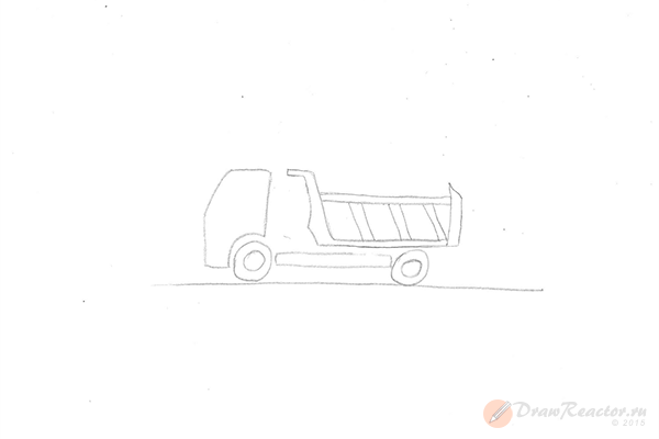 Как нарисовать Камаз. Шаг 3.