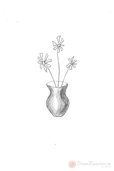 Как нарисовать вазу с цветами. Шаг 3.