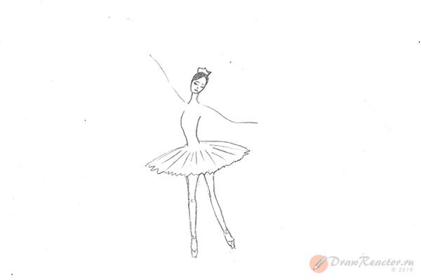 Как рисовать балерину. Шаг 4.