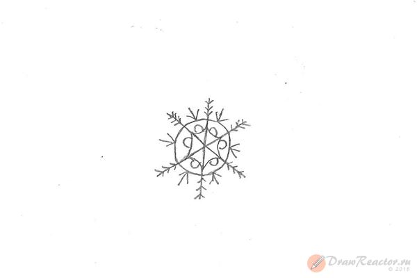 Рисунок снежинки. Шаг 5.